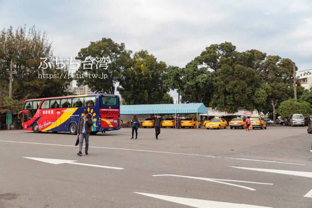 台南の長距離バス降り場