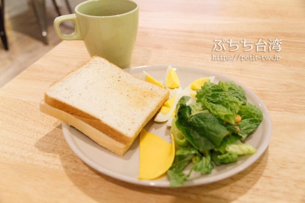 フライインホステルの朝食