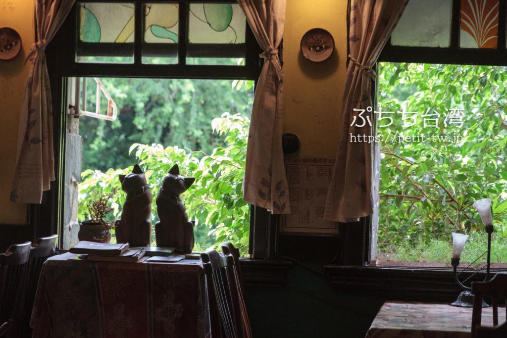 窄門咖啡の店内