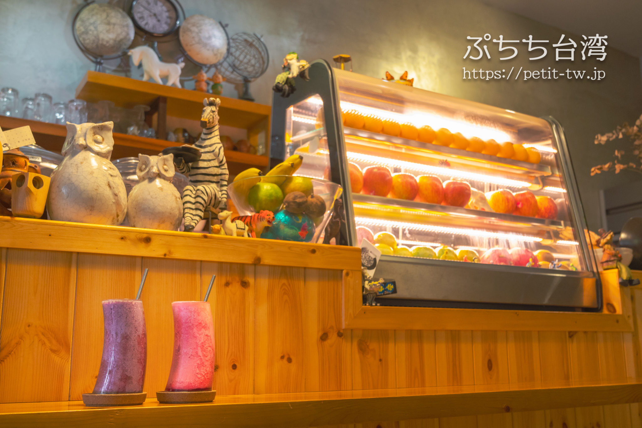 鳳冰果舖の店内