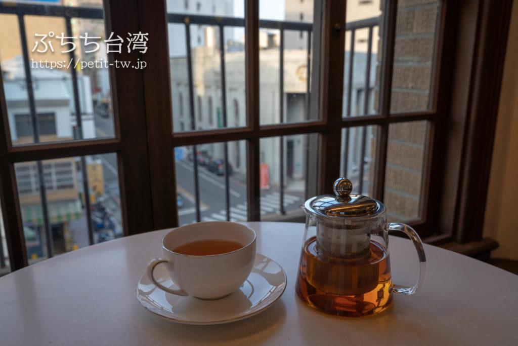 台南の林百貨のカフェ