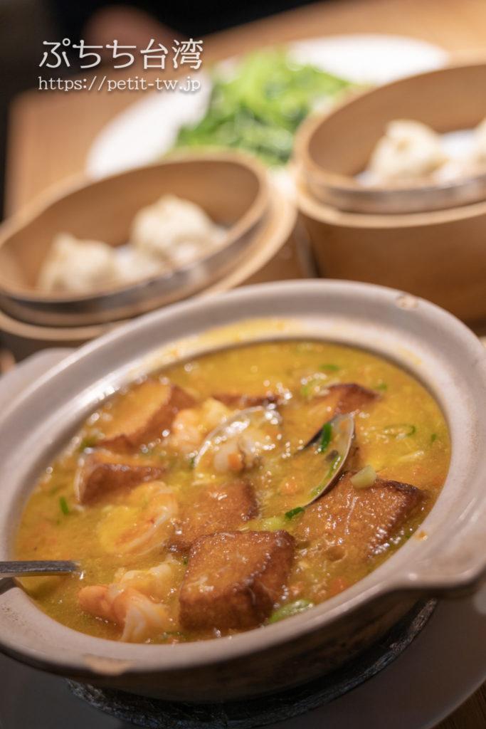 杭州小籠湯包民生東路店の蟹スープ