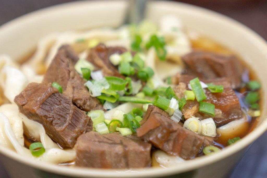 富宏牛肉麺の牛肉麺