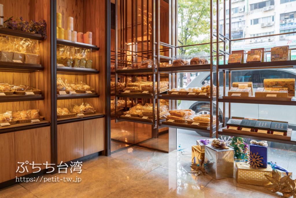 ホテルオークラ台北のパイナップルケーキ店の店内