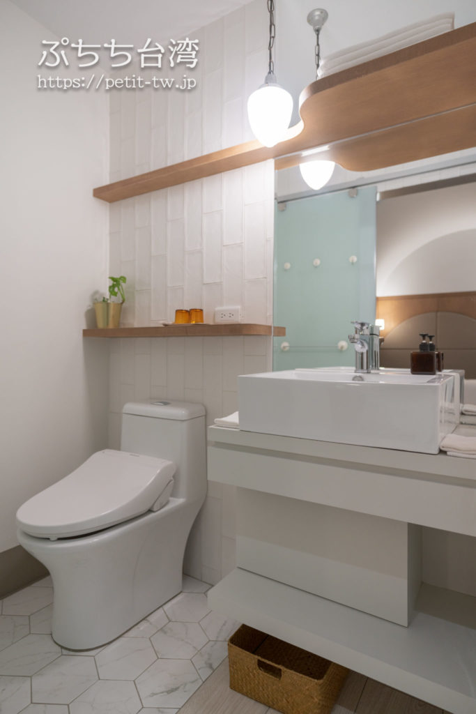 高雄の鶴宮寓(ホックハウス)の客室のバスルーム