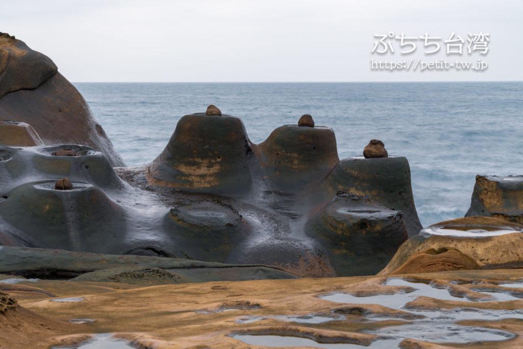 野柳地質公園のキャンドル岩