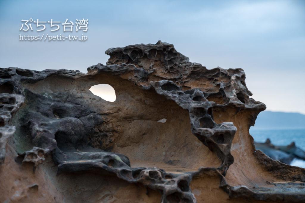 野柳地質公園の奇怪岩
