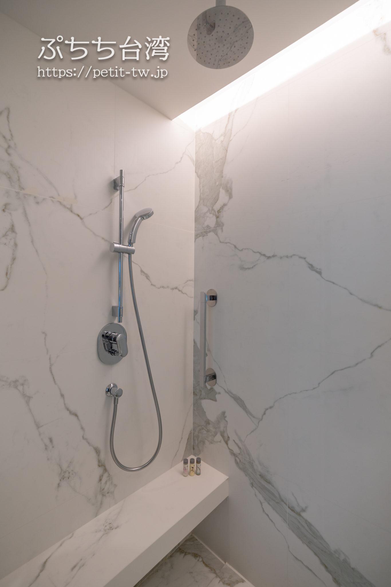 ルネッサンス台北士林ホテルのバスルーム