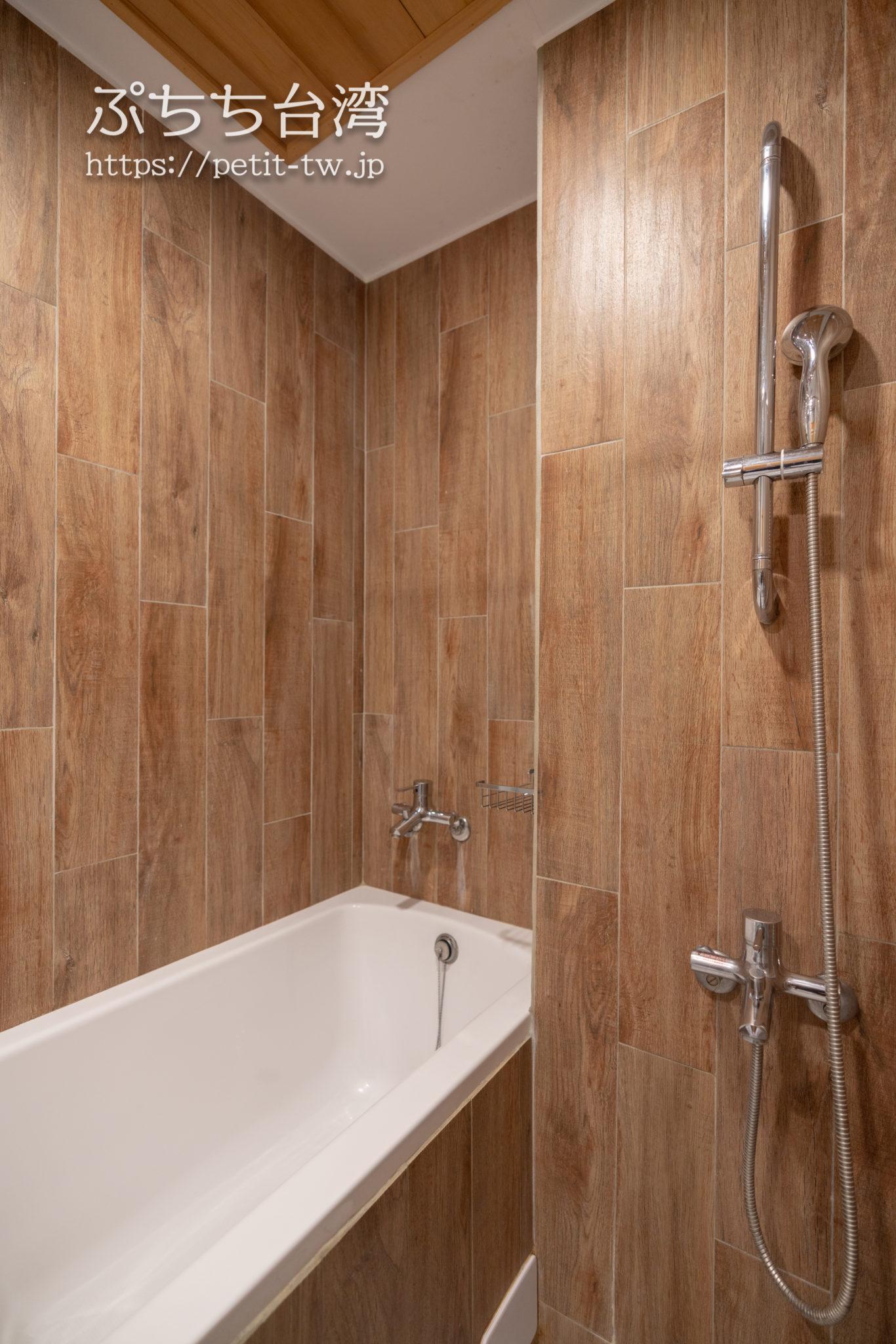 台南のアトリウムの浴室
