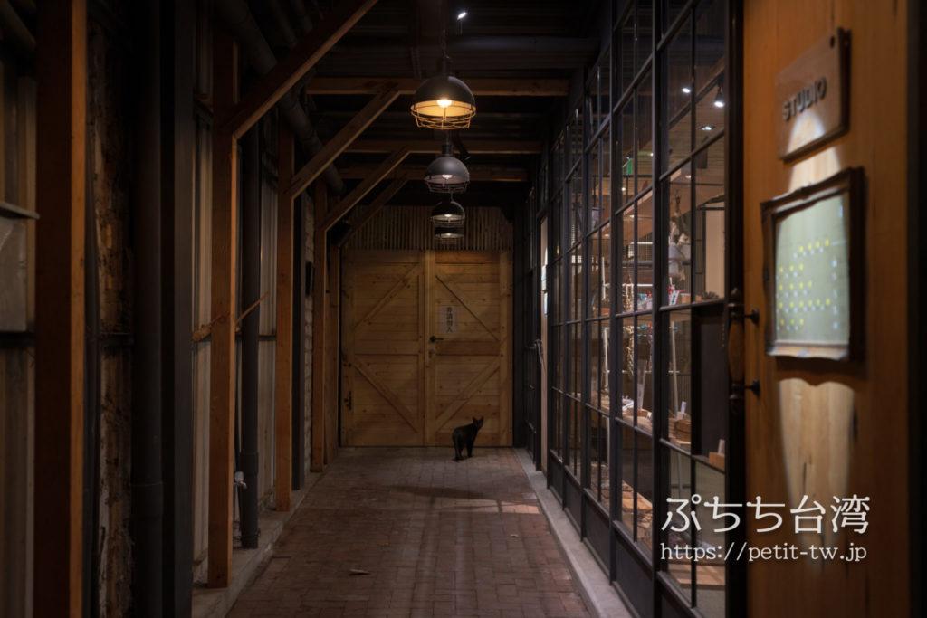台南のホテル アトリーウムの入り口