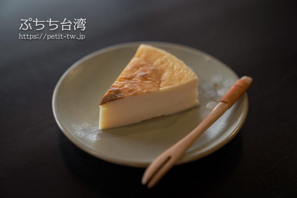 書店喫茶一二三亭のチーズケーキ