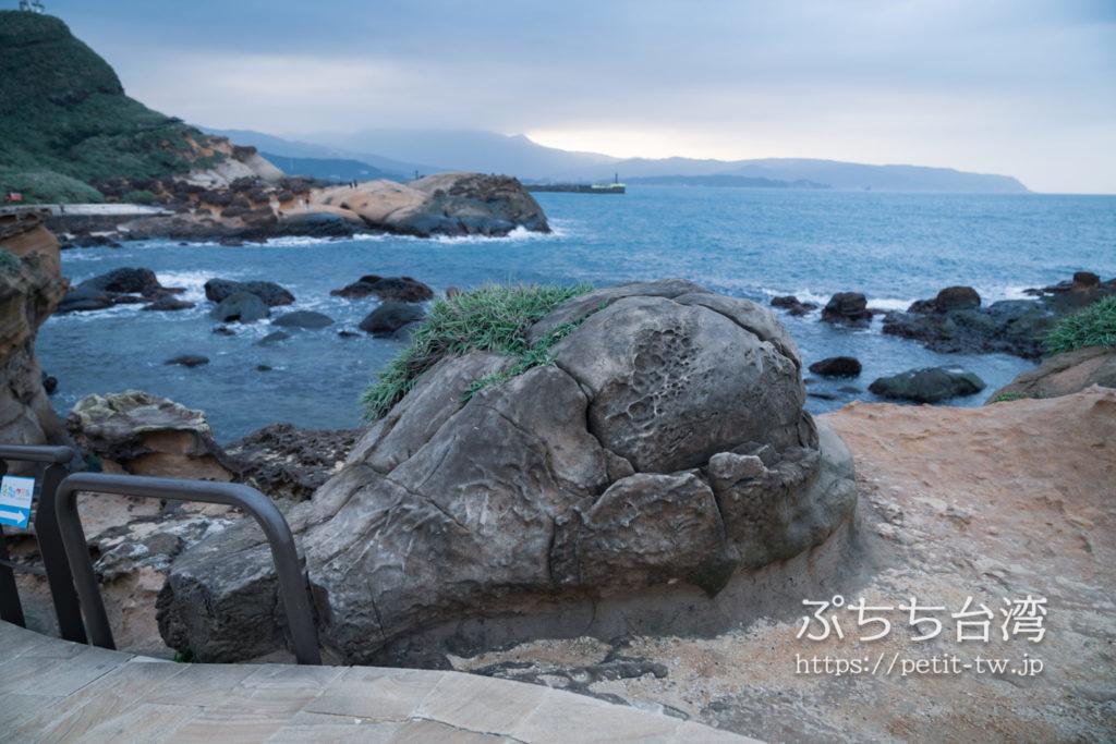 野柳地質公園のフライドチキン岩 BBQ Drumstick Rock