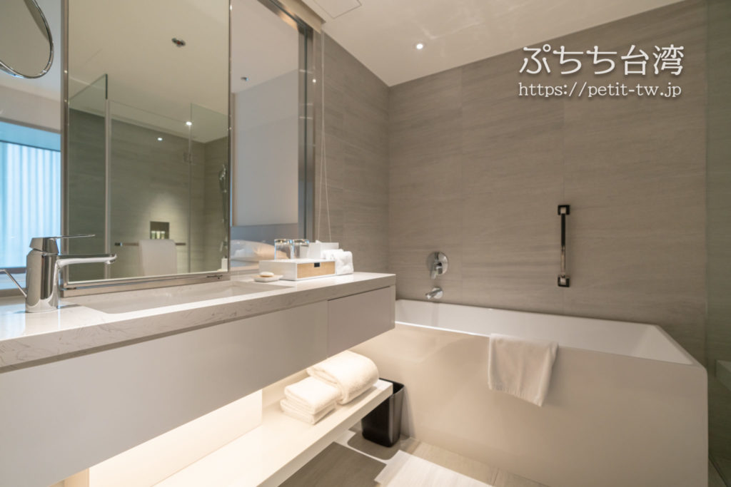 コートヤード バイ マリオット台北ダウンタウンのバスルーム