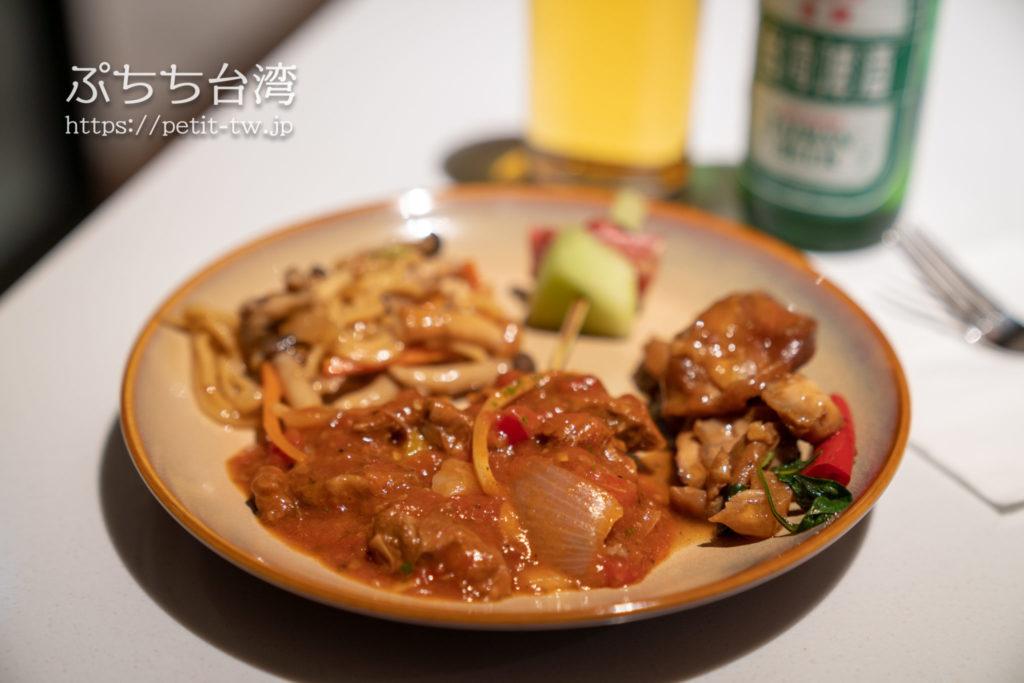 コートヤード バイ マリオット台北ダウンタウンのクラブラウンジ Happy Hours