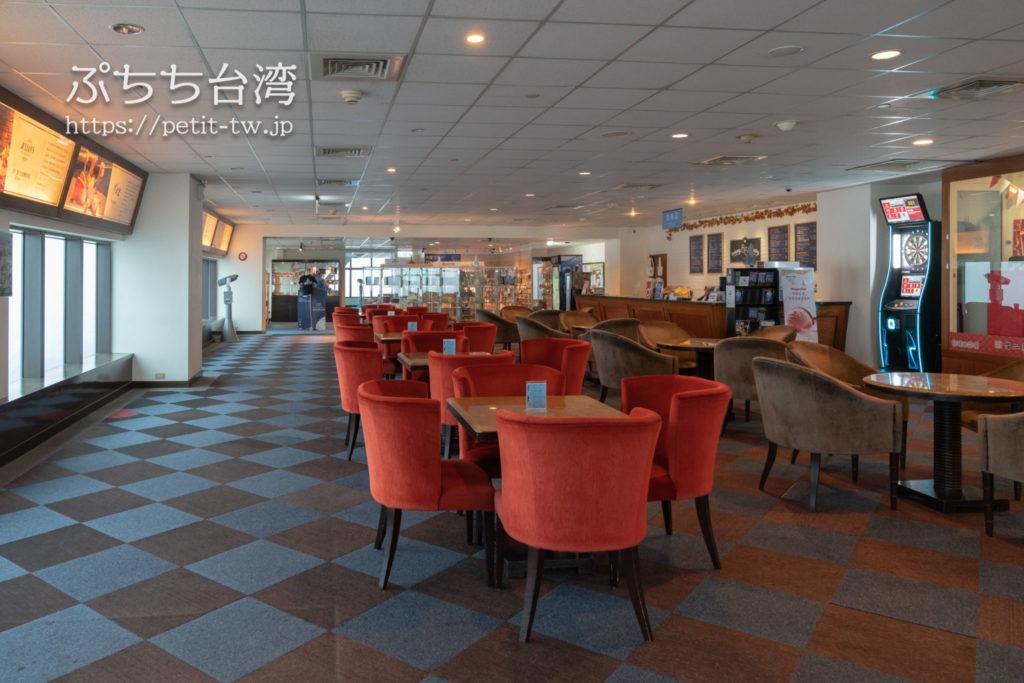 高雄85ビル展望台(高雄85觀景台、Kaohsiung 85 Sky Tower Observatory)のカフェスペース