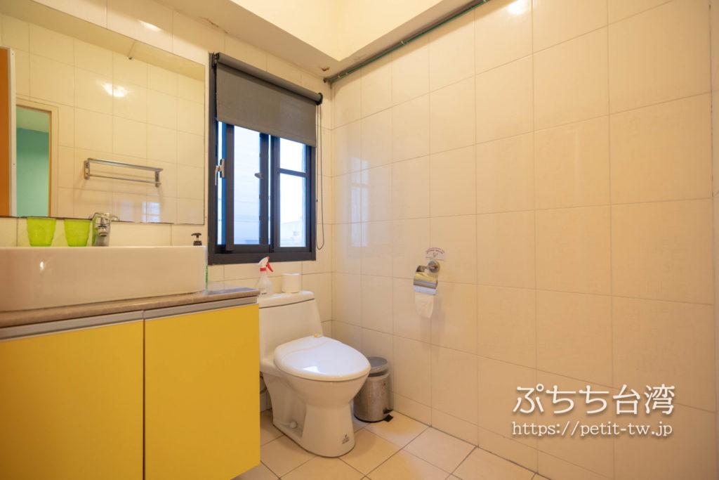 トリップGGホステル高雄(旅聚居青年旅舎)のバスルーム