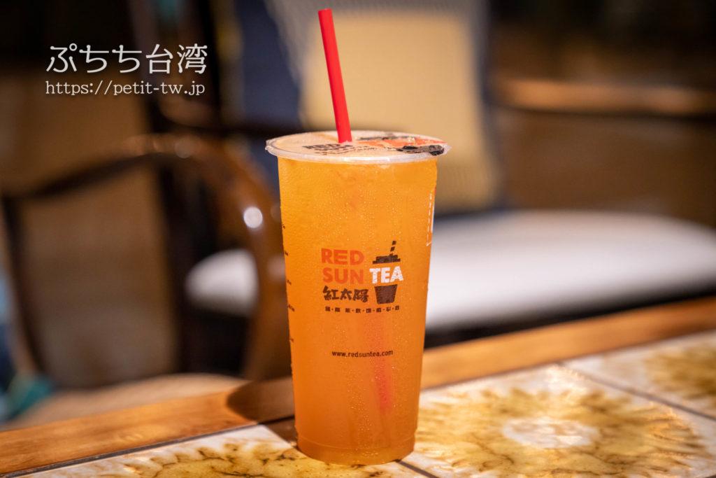 台南のドリンクチェーン、紅太陽のハイネケン緑茶