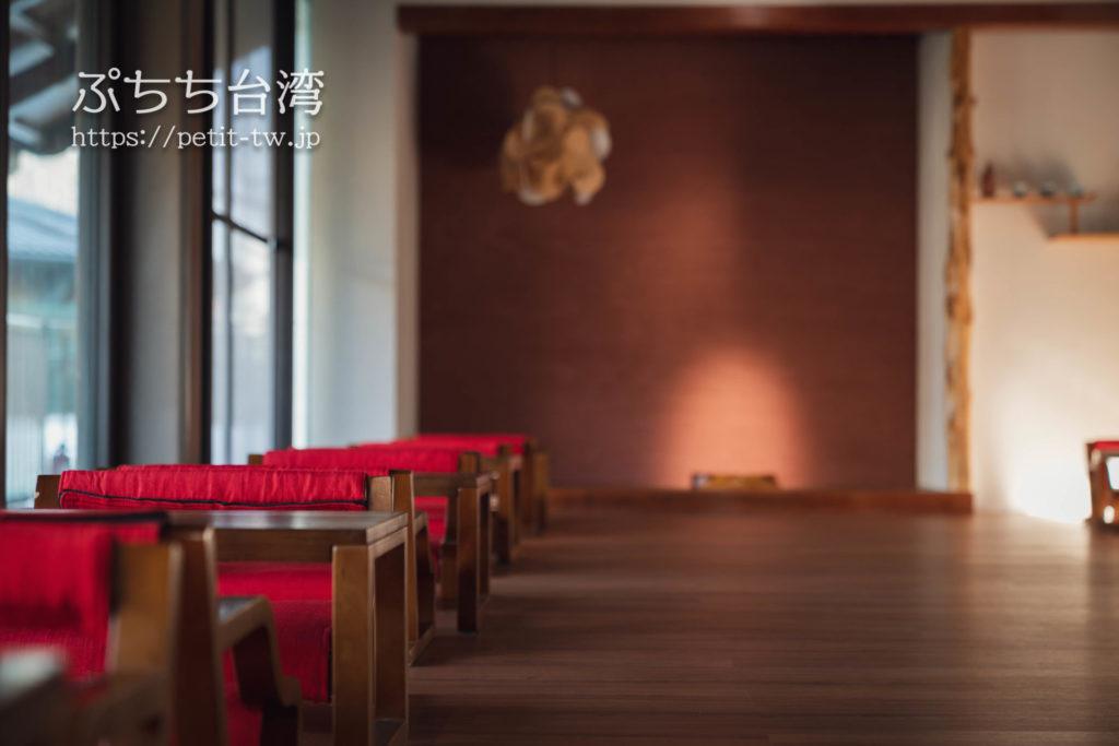 台南の旧料亭の鶯料理の内観