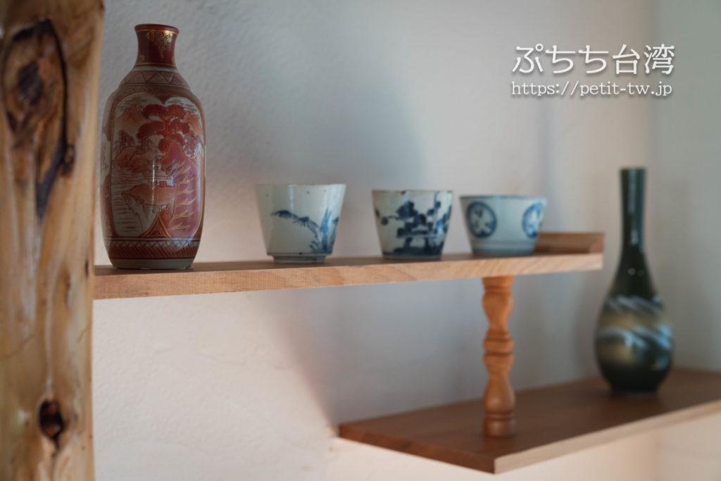台南の旧料亭の鶯料理の館内の陶器