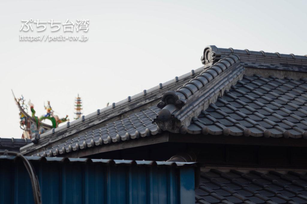 台南の旧料亭の鶯料理の瓦屋根
