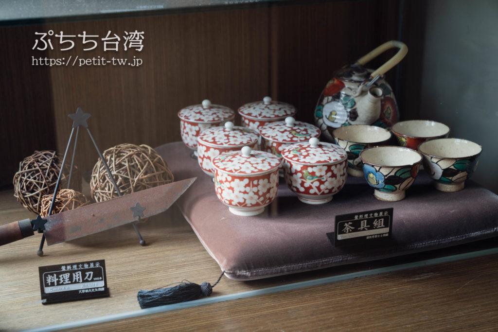 台南の旧料亭の鶯料理の館内の急須