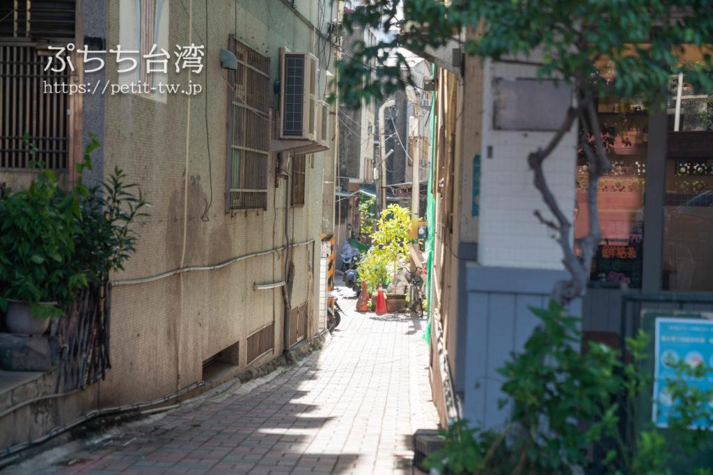 台南のAirbnb 小巷旺宅の前面道路