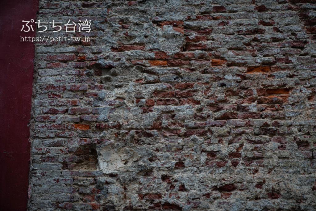 台南の祀典武廟の外壁