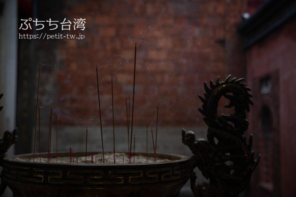台南の大天后宮の廟内