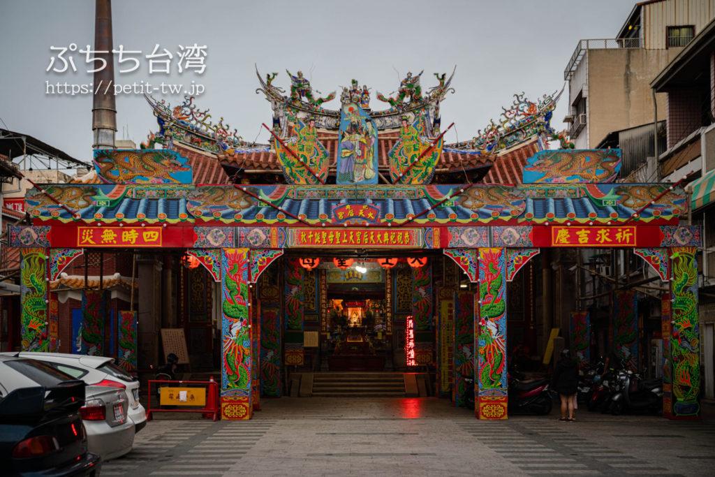 台南の大天后宮の外観