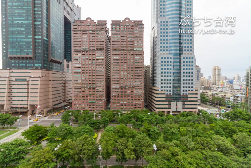 高雄市立図書館の屋上からの眺望