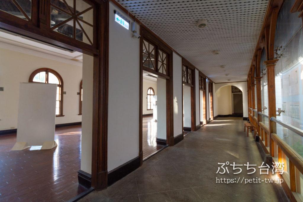 旧台中市役所の2階の廊下