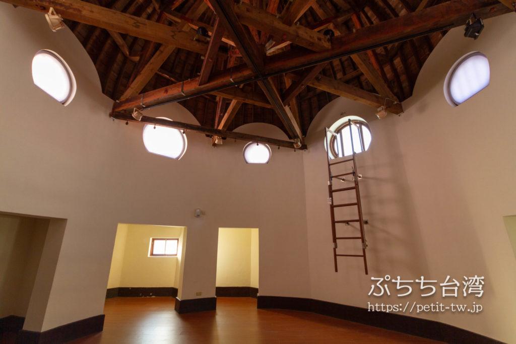 旧台中市役所のドーム内部