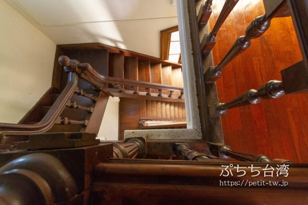 旧台中市役所の階段