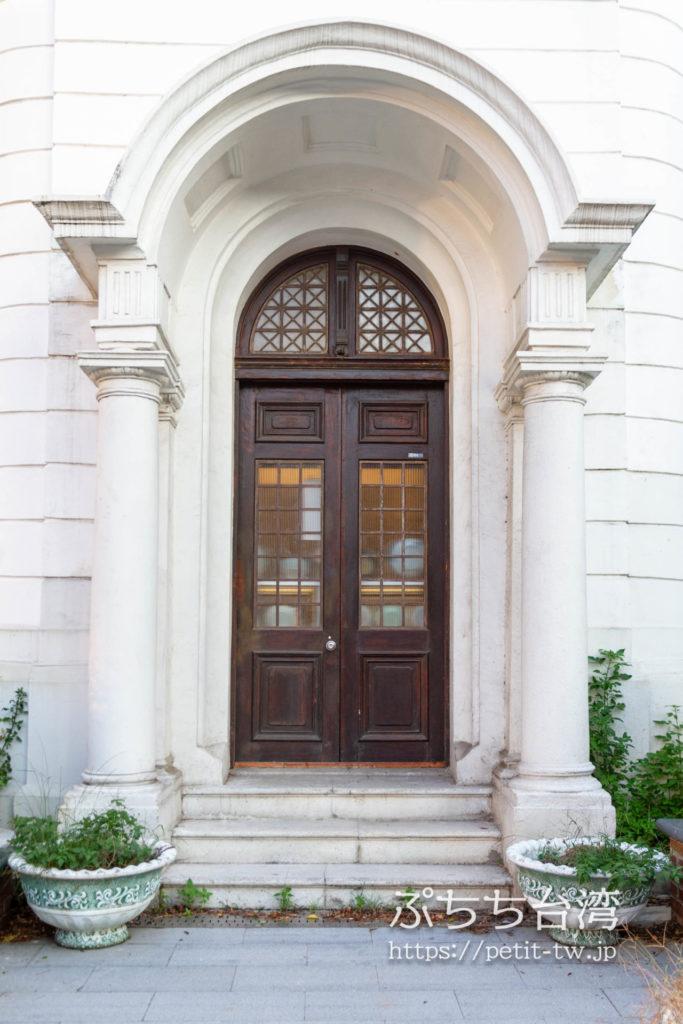 旧台中市役所の扉