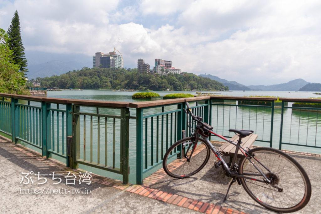 日月潭のサイクリングロードと自転車