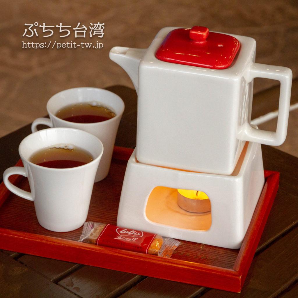 Moon Cafe ムーンカフェ 日月潭水上明月咖啡館の日月潭紅茶のティーセット