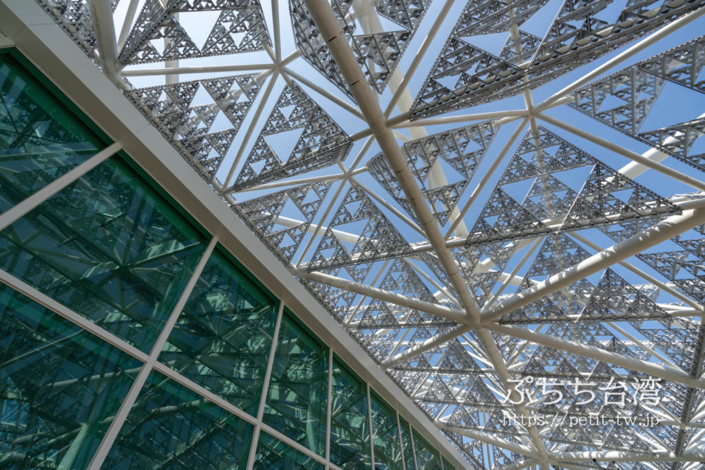 台南市美術館二館のガラス天井窓