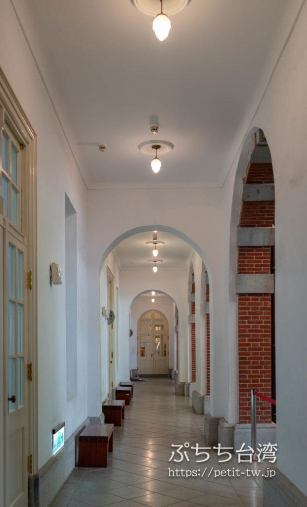 国立台湾文学館、旧台南州庁の廊下