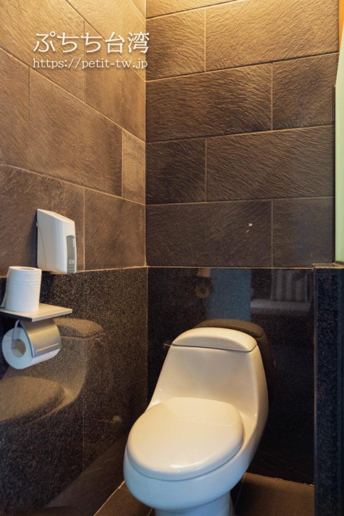 ザガイアホテル(大地酒店)の日帰り温泉施設の貸切個室風呂のトイレ