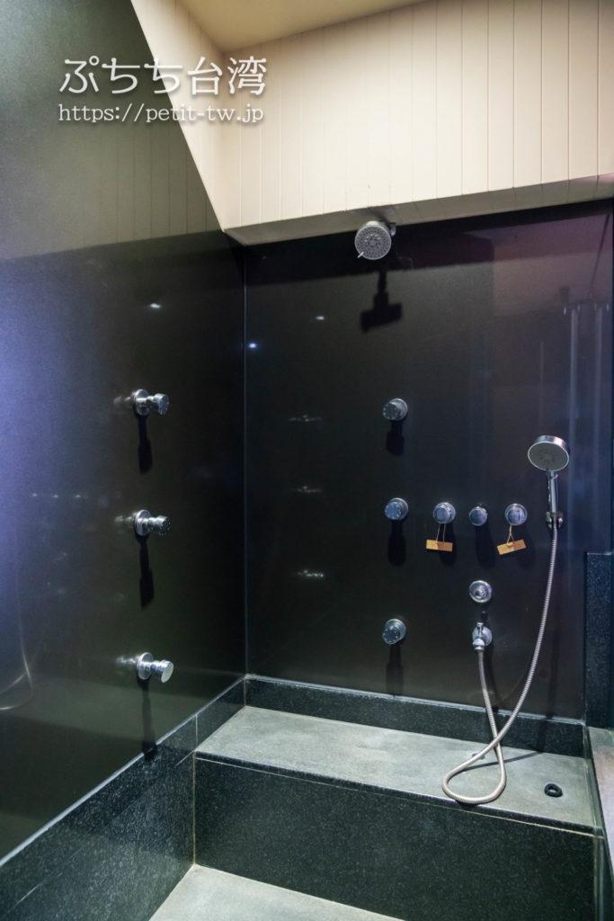 ザガイアホテル(大地酒店)の個室風呂のシャワー室