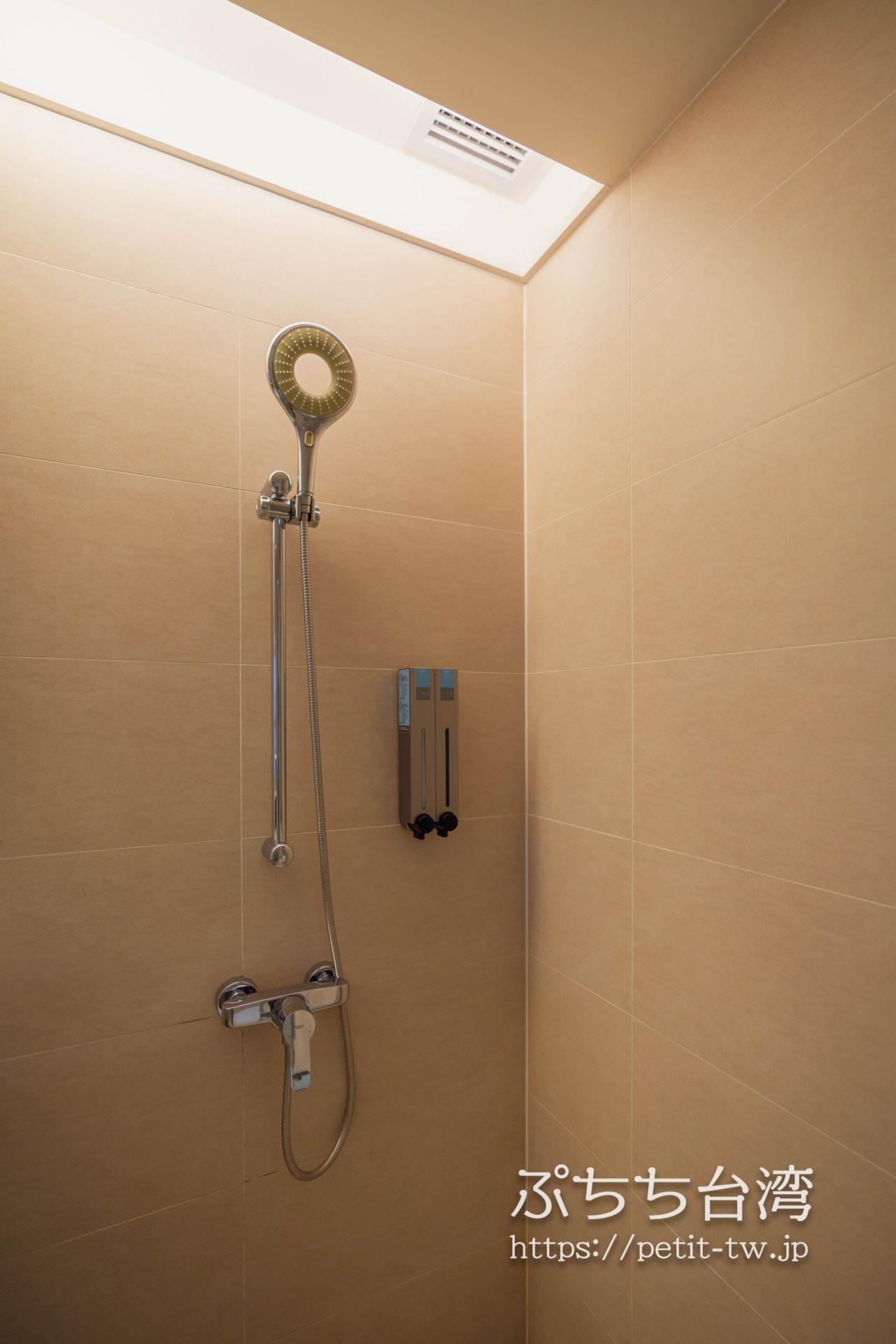 ジャストスリープ高雄駅前館のバスルーム