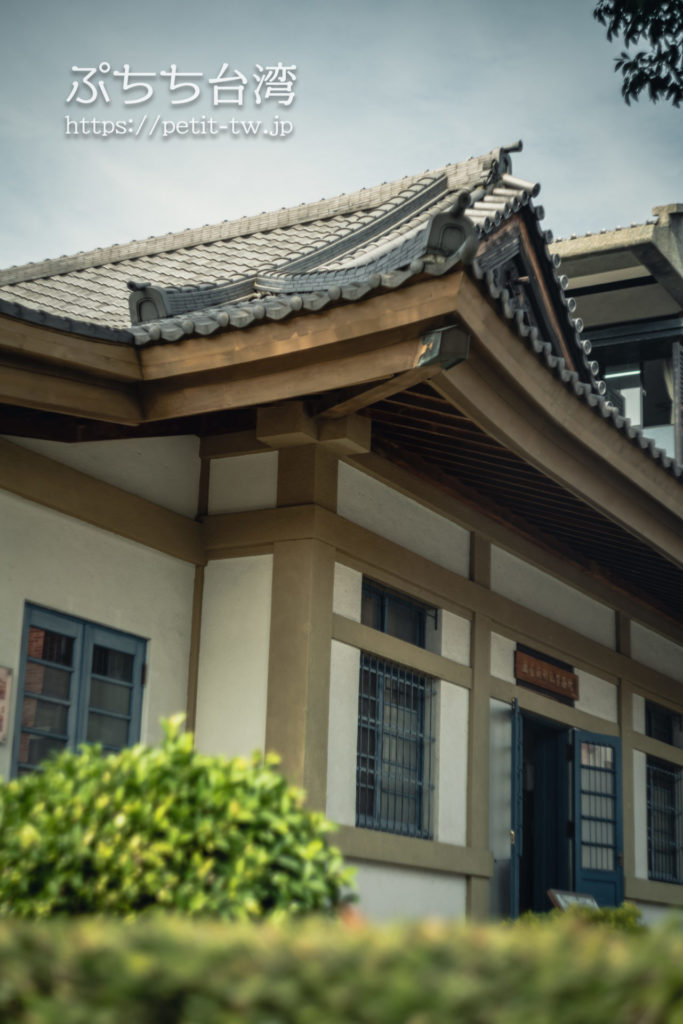 旧台南神社の事務所外観(現小学校図書館)