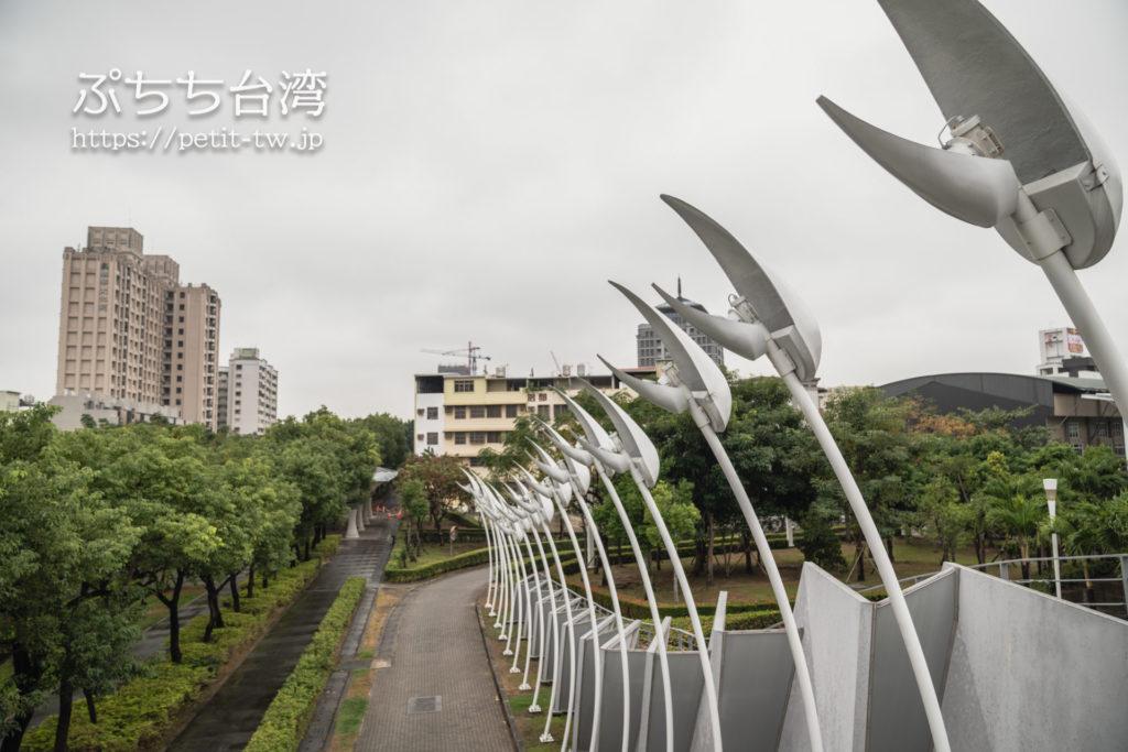 大東文化藝術中心 大東文化芸術センターのガーデン